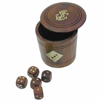 Hrací kostky v dřevěném kalichu 5 kusů