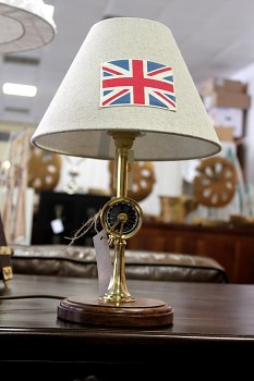 Stolní lampa Britain telegraf