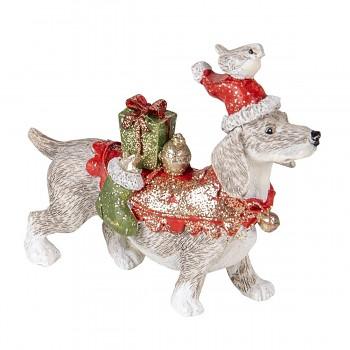 Pes v santovské čepici