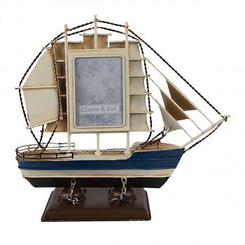 Model plachetnice s fotorámečkem