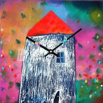 Keramické hodiny Domeček v květinách