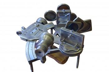 Námořní sextant z antické mosazi Dr. No