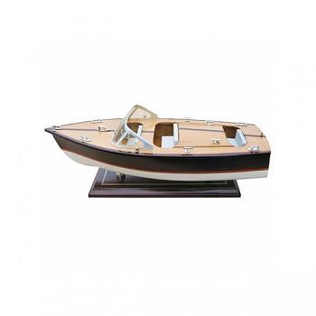 Model sportovního člunu