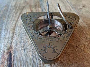 Sluneční kompas Gilbert and Sons London